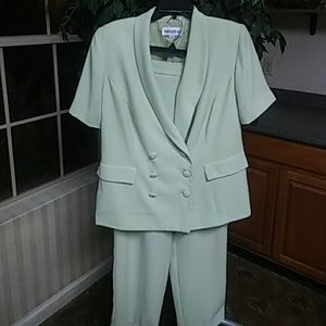 Danny & Nicole Pant Suit Gently Used Size 14W